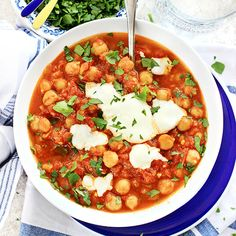 This Moroccan chickpea stew gets its spiciness and flavor from a North African spice mix called Ras El Hanout! Serve this grain and gluten free stew with vegan or dairy yoghurt over quinoa or enjoy…