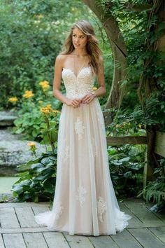 6c456f79fc7f Fantastisk boheme   hippie   vintage brudekjole i det blødeste tyl og med  det lækreste blonder