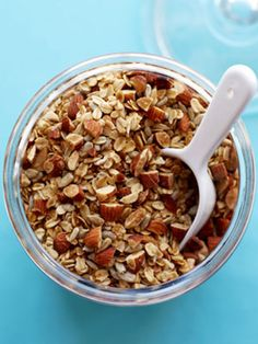 Homemade granola!!! Why haven't I made this before?? It is amazing! Made a few variations to the low fat recipe..