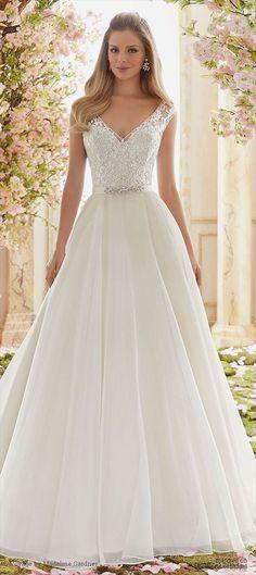 New Spring And Summer 2018 Wedding Dress Trends Ideas 31 #WeddingIdeasSummer
