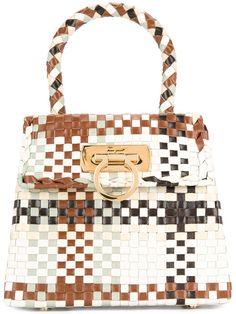 e7dddbb7c38 Salvatore Ferragamo Vintage Gancini intrecciato top handle bag Bago,  Vintage Ontwerpen, Salvatore Ferragamo