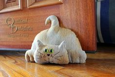 Cats Toys Ideas - pattern came from SewCutePatterns and is called Attack Cat converted to a door stop - Ideal toys for small cats Sewing Toys, Sewing Crafts, Sewing Projects, Cat Crafts, Kids Crafts, Softies, Porte Diy, Ideal Toys, Fabric Postcards