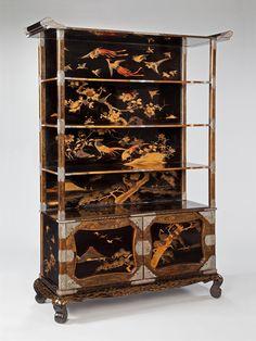 A JAPANESE ETAGERE - Mallett Antiques
