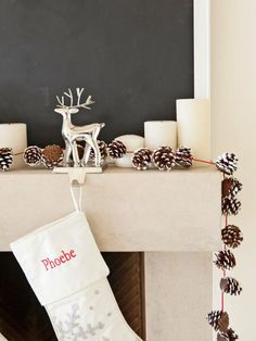 12 DIY Pinecone Crafts – Perfect To Keep You Busy On A Cold Fall Day