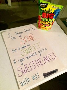 Great way to ask someone to Sweethearts - Life Style Cute Homecoming Proposals, Formal Proposals, Hoco Proposals, Sadies Dance, Prom Dance, Prom Posals, Homecoming Queen, Prom Invites, Invitations
