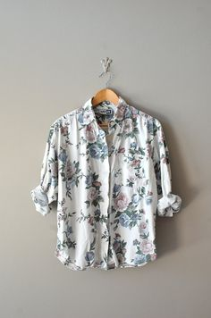 vintage floral blouse | http://www.etsy.com/listing/96698813/floral-blouse-floral-print-shirt-floral    #vintage #floral #etsy