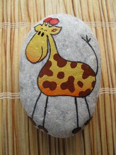 malovaný kámen - žirafa