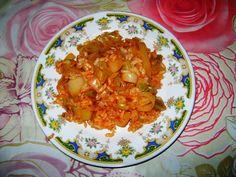 Reteta culinara Praz cu orez din categoria Mancaruri de post. Specific Turcia. Cum sa faci Praz cu orez Curry, Ethnic Recipes, Food, Curries, Essen, Meals, Yemek, Eten