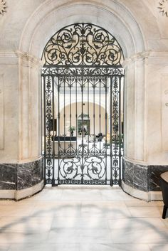 Set in Seville in the Andalucía Region, km from Plaza de Armas, Hotel Mercer Sevilla boasts an outdoor pool and sun terrace. Wrought Iron Decor, Wrought Iron Gates, Mercer Hotel, Arch Gate, Marble Staircase, Grades, Iron Doors, Garden Gates, Balcony Garden