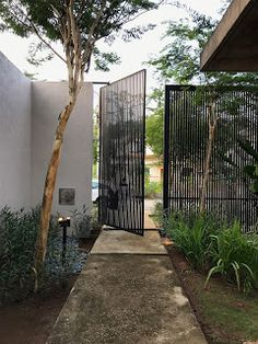 DIATELIER: nr NEXT HOUSE House Gate Design, Fence Design, Door Design, Exterior Design, Interior And Exterior, Outdoor Landscaping, Outdoor Gardens, Outdoor Spaces, Outdoor Living