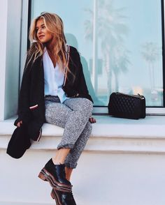 """14.8 mil Me gusta, 56 comentarios - ANDREA BELVER (@andreabelverf) en Instagram: """"Got the z on you. 6th/Jan & -1 day for.. ✈️ #chanchan wearing @browniespain"""" Warm Outfits, Classy Outfits, Spring Outfits, Winter Outfits, Business Casual Outfits, Fashion Addict, Winter Wardrobe, Love Fashion, Spring Fashion"""