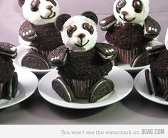 Funny pictures about Oreo Panda Cupcakes. Oh, and cool pics about Oreo Panda Cupcakes. Also, Oreo Panda Cupcakes photos. Panda Cupcakes, Beer Cupcakes, Fun Cupcakes, Cupcake Cakes, Cupcake Ideas, Amazing Cupcakes, Animal Cupcakes, Monster Cupcakes, Chocolate Cupcakes