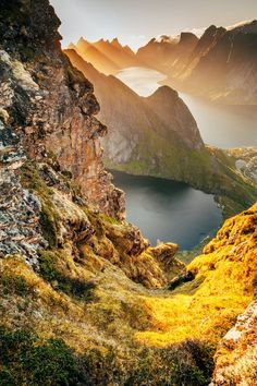 13 ridiculously gorgeous pictures of Norway - From mountain landscapes to the midnight sun, photographer George Turner shares a selection of his best pictures of Norway.  Norway, no matter the season, is an absolute dream for photographers. Whether you'restanding under the dazzling northern …