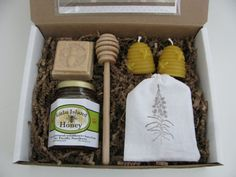 Large Gift Basket Honey and Beeswax Candle by LuluIslandHoney