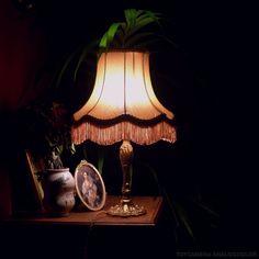 Fin de siecle feel // via Pandora Pandora, Decoration, Room Inspiration, Sweet Home, Table Lamp, Room Decor, Interior Design, Agatha Christie, Night Whispers