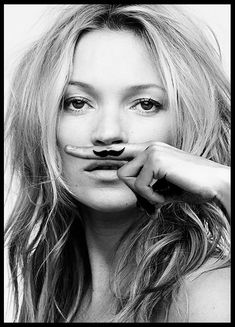 Kate Moss, life is a joke, print in the group Posters & Prints / Sizes / 70x100cm | 27,6x39,4 at Desenio AB (8422)