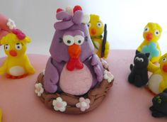 The mother-chicken made by me out of fondant for birthday cake.