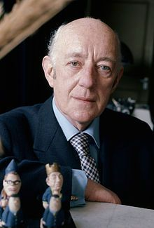 """TIL that Sir Alec Guinness the actor who played Obi-Wan Kenobi in the """"Star Wars"""" films has appeared in roles ranging from Fagin in """"Oliver Twist"""" to Hitler. Obi One, David Lean, Alec Guinness, Human Icon, Star Wars, Oliver Twist, Best Supporting Actor, Hollywood, Dylan Thomas"""