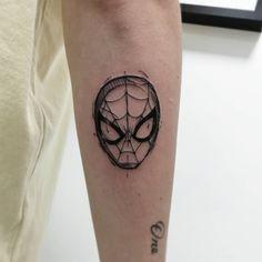 35 The Best Small Tattoo Design for Men Hand Tattoos, Rebellen Tattoo, Nerdy Tattoos, Marvel Tattoos, Tattoos Skull, Badass Tattoos, Body Art Tattoos, Tattoos For Guys, Tattoos For Women