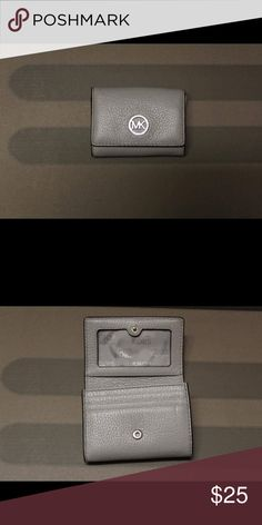 Michael Kors card holder Good condition! Authentic! KORS Michael Kors Accessories Key & Card Holders