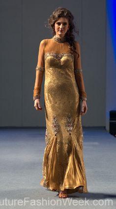 #moteuke #design #model #stil #kvinne #RituBoorgy #mote #couture #fashion #gull #kjole