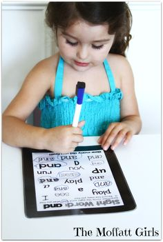 Sight Word Tablets!  PRINTABLE sight word tablets for every sight word!  Makes learning those tricky sight words FUN!