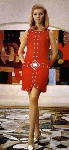 Petite robe rouge Louis Feraud, 1967