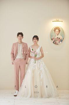 korean prewedding new sample photoshoot Romantic Wedding Photos, Wedding Couples, Wedding Engagement, Korean Bride, Korean Wedding Photography, Wedding Stills, Wedding Company, Pre Wedding Photoshoot, Wedding Dresses