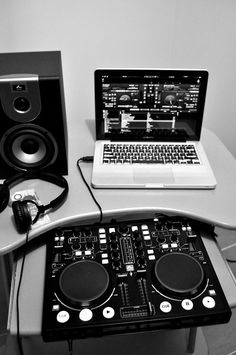 Computer-Check    Earphones-Check   If I had this I would already be a 5 star Dj!
