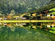 Na imensidão azul do Atlântico, a Mãe natureza criou uma terra repleta de beleza natural e pronta a ser explorada: o Arquipélago dos Açores.