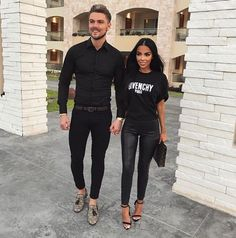 Shared by Harriët Taylor. Find images and videos about fashion, cute and style on We Heart It - the app to get lost in what you love. Matching Couple Outfits, Matching Couples, Paar Style, Classy Outfits, Cute Outfits, Luxury Couple, Fashion Couple, Cute Couples Goals, Summer Outfits