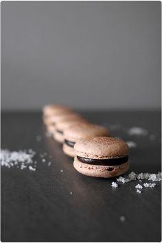 Ganache chocolat noir fleur de sel pour macarons by Chef Nini