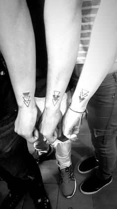 Tattoo for 3 brothers Tattoo for 3 brothers - Geschwister tattoos - Friendship Siblings Tattoo For 3, Sibling Tattoos, Family Tattoos, Tattoos For Brothers, 3 Brothers, Bro Tattoos, Finger Tattoos, Body Art Tattoos, Tattoo Ink