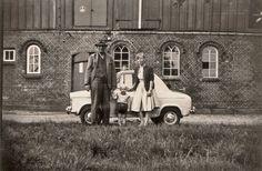 Vespa 400 Vespa 400, Vintage Vespa, Vintage Photos, Minis, Antique Cars, Automobile, Antiques, Vehicles, Dream Garage