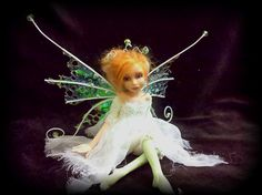 *LindaJaneThomas -- This woman does the most remarkable work!  I am positive she must have REAL fairies as models!