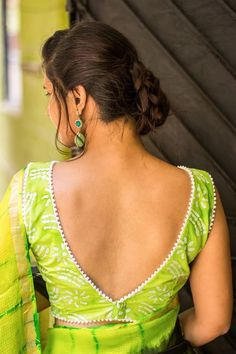 Looking for best green blouse designs for your sarees? Here are 17 chic models that can make your saree look super pretty and voguish.Try this deep V back blouse design. It's a sure shot win and can instantly up your fashion game. Blouse Back Neck Designs, Stylish Blouse Design, Fancy Blouse Designs, Choli Designs, Sari Blouse Designs, Designer Blouse Patterns, Latest Blouse Designs, Designer Saree Blouses, Blouse Styles