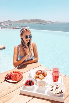 Breakfast by the pool | Cavo Tagoo Mykonos, Greece: http://www.ohhcouture.com/2017/06/monday-update-52/ #leoniehanne #ohhcouture
