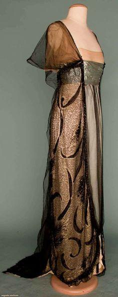 thème création textile Art Nouveau - Les Merveilles de la Haute-Couture - Robe du soir de Worth - 1912
