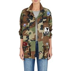 Icons Women's Camouflage Cotton Twill Field Jacket ($495) ❤ liked on Polyvore featuring outerwear, jackets, vintage military jacket, patch jacket, camoflage jacket, military camouflage jacket and vintage jackets