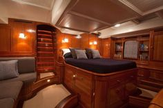 Master Stateroom of Carl Linné sailing yacht for sale.