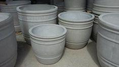 Cement Crafts, Concrete Projects, Flower Pot Crafts, Flower Pots, Paver Patterns, Cement Pots, Painted Pots, Succulent Pots, Potted Plants