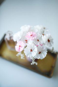 DIY - Fleurs en crépon • Saddy (Chocodisco) Diy Fleur, Creations, Crepe Paper, Paper Flowers