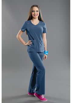 NEW! Smitten RUMOR top in CARIBBEAN! #smitten #scrubs #medical #hospital #uniforms #clinic #rn #nurse #nursing #lvn #lpn #vet #tech #dental #hygiene #fashion #caribbean #scrub #top #cool