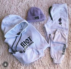 Neat Casual Outfits, Cute Lazy Outfits, Teenage Girl Outfits, Cute Swag Outfits, Girls Fashion Clothes, Sporty Outfits, Teen Fashion Outfits, Retro Outfits, Stylish Outfits