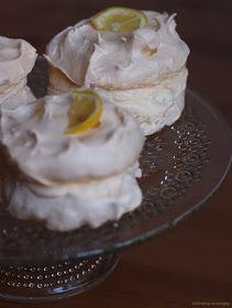Citronové mini Pavlovy Mini Pavlova, Slimming World Recipes, Lemon, Ice Cream, Pudding, Label, Food, No Churn Ice Cream, Icecream Craft