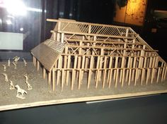 """En exclu !! :) la toute première maquette reconstituant la demeure de la Princesse de Vix... Allez absolument visiter le Musée, trés riche et trés lumineux ! Vous ne serez pas décus tellement vous y ferez des découvertes !    En savoir plus : www.musee-vix.fr/    """" La tombe de la Dame de Vix, découverte en 1953 par Maurice Moisson et René Joffroy est l'une des plus prestigieuses du monde celtique. Datée du début du 5e siècle avant notre ère...  Photo : Damkat, Aout 2011."""