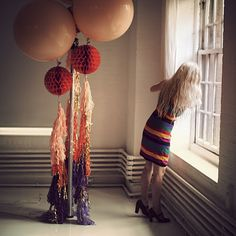 Nice combo of trends here. BIG round balloons, poms, lanterns and ombre! Maybe a bit sophisticated for two year olds? Big Round Balloons, Giant Balloons, Balloon Tassel, The Balloon, Balloon Ideas, 50th Party, Birthday Parties, Birthday Brunch, Red Party Themes