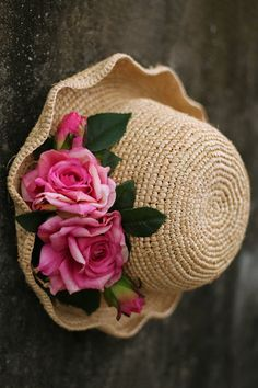 Shop tuibianji light khaki rose wavy edge straw hat here, find your hats at dezzal, huge selection and best quality. Tea Party Hats, Straw Hats, Derby Hats, Vintage Roses, Wicker, Nice Dresses, Fashion Ideas, Bamboo, Bedrooms