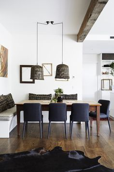 modern rustic breakfast nook // Confirmed: Rustic Home Décor Is Back (but Not the Version You Remember) via Style Deco, Boho Style, Interior Decorating, Interior Design, Luxury Accommodation, Holiday Accommodation, Magnolia Homes, Magnolia Paint, Interior Exterior