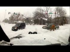 Jeep Driving in the Snow Avoiding Stuck Cars - YouTube